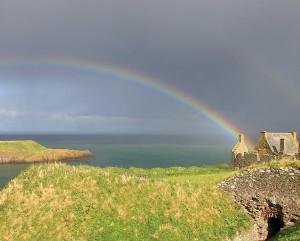 Dunnottar w rainbow